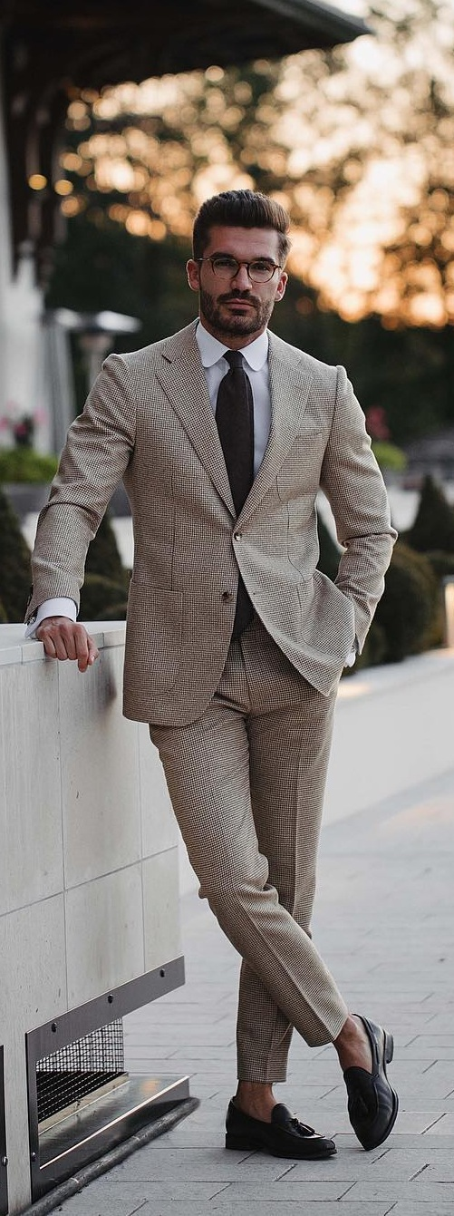 stunning-suit-outfit-ideas-men